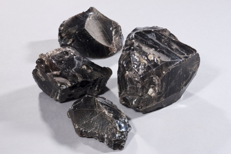 Obsidian excavated from the Osadaguchi site
