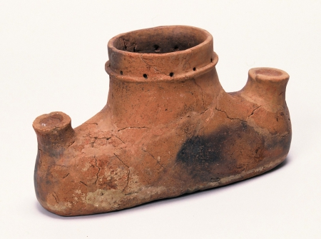Shaped pottery excavated from the Odassho site